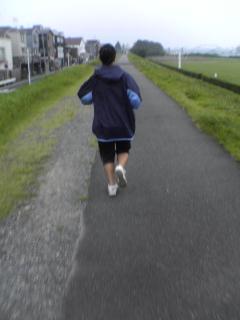 朝走ってます